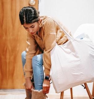 obrazek kobiecej torby na ramieniu